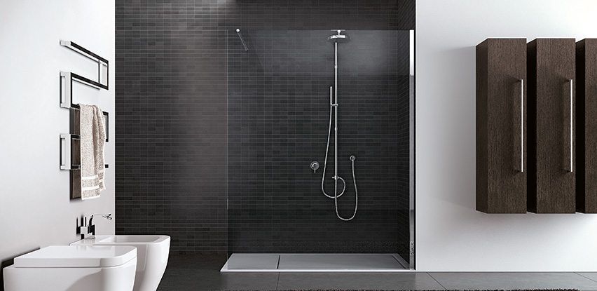 Douche italienne de salle de bain bath room for Porte de douche en verre sur mesure